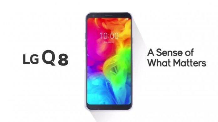 LG Q8 features