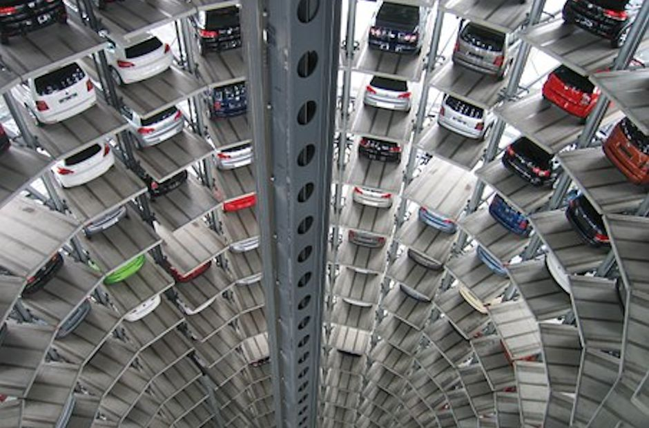 Daimler and Bosch Behind New Driver-less Parking Garage
