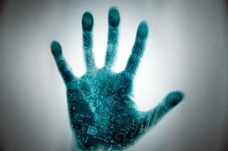 Internet of Us, impianti medici e chip intelligenti