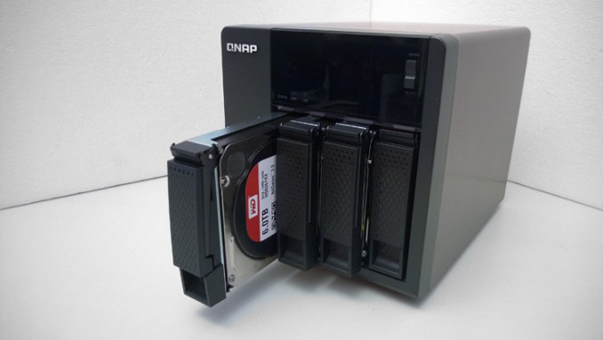QNAP TS-453A, il NAS per le PMI che supporta il mondo Linux
