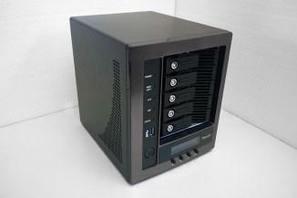 Thecus N5810PRO, storage scalabile con UPS integrato per le PMI
