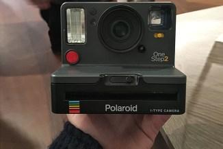 Polaroid OneStep 2, il retaggio della fotografia anni '70