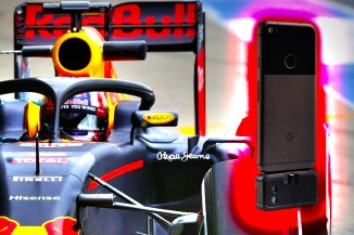 I vantaggi di FLIR ONE Pro per Aston Martin Red Bull Racing