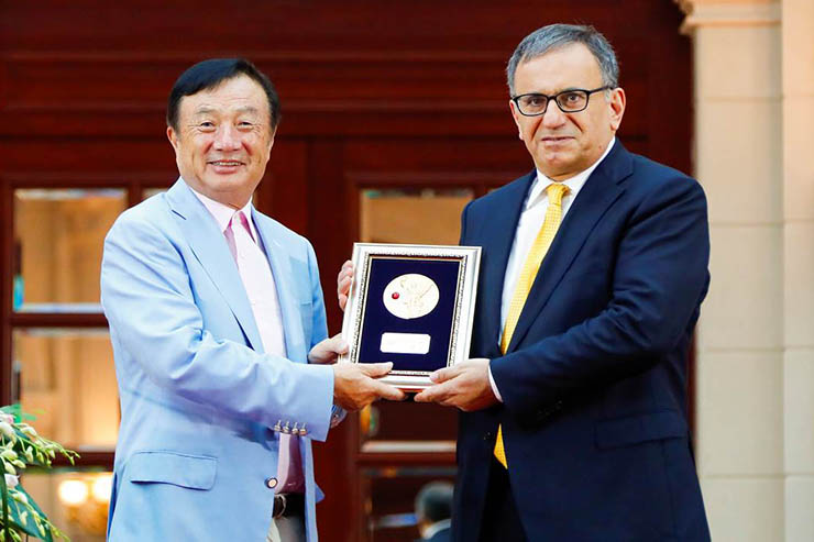 Huawei, un premio a Erdal Arikan per lo sviluppo del 5G