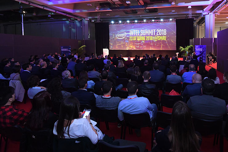 SMAU Milano, la metamorfosi di Intel al Summit 2018