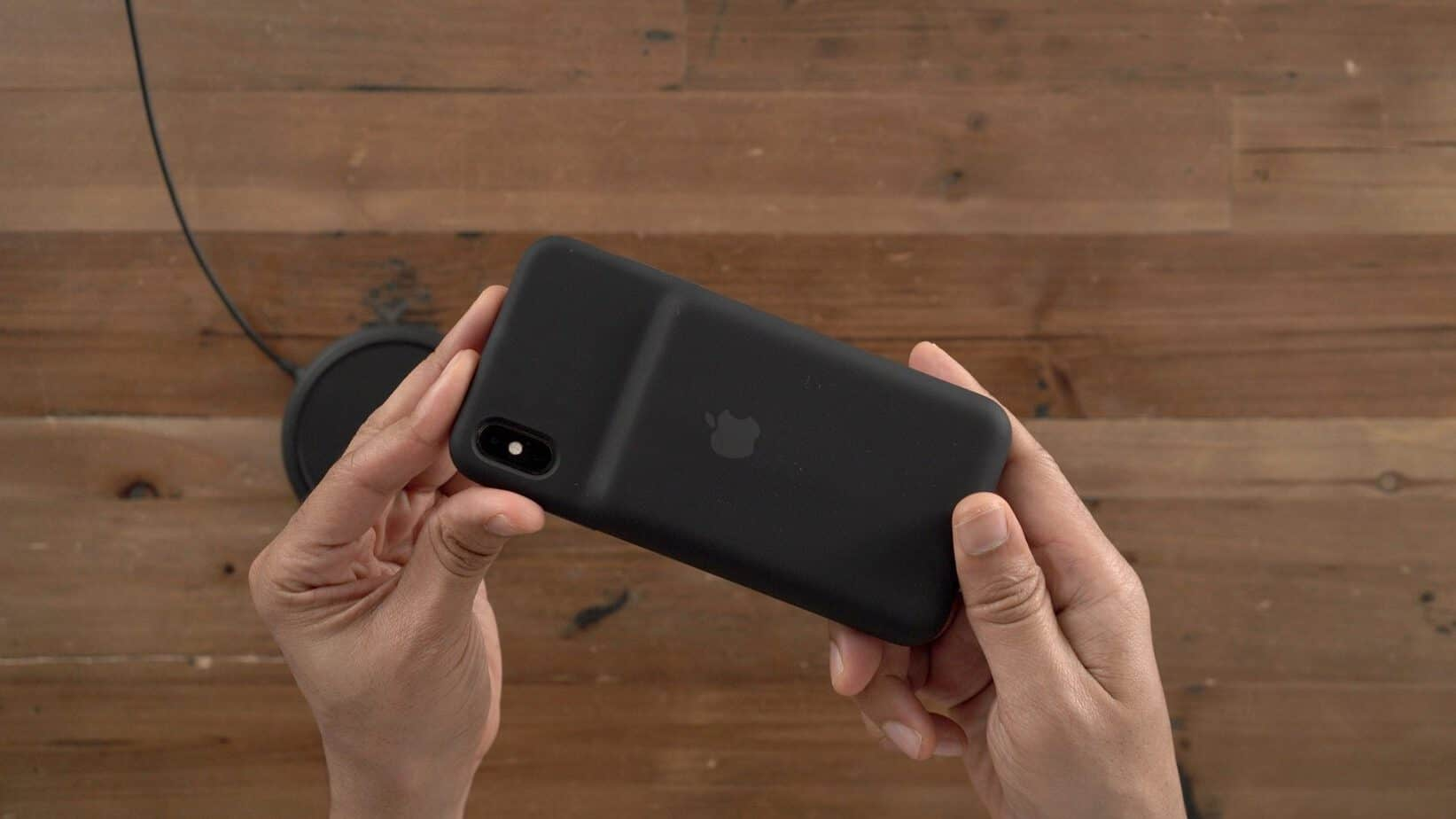 online store ce09a ea9d0 Is Apple's New iPhone XR 'Smart Battery Case' For You? - Tech Geeked