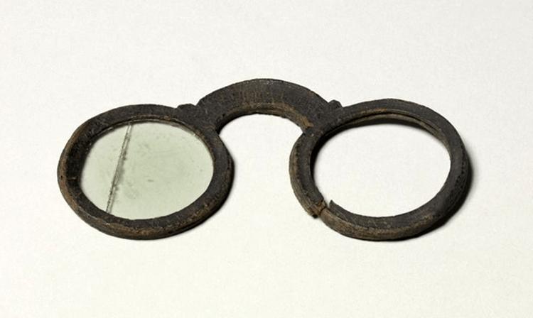 oldest eyeglasses in smartwearables