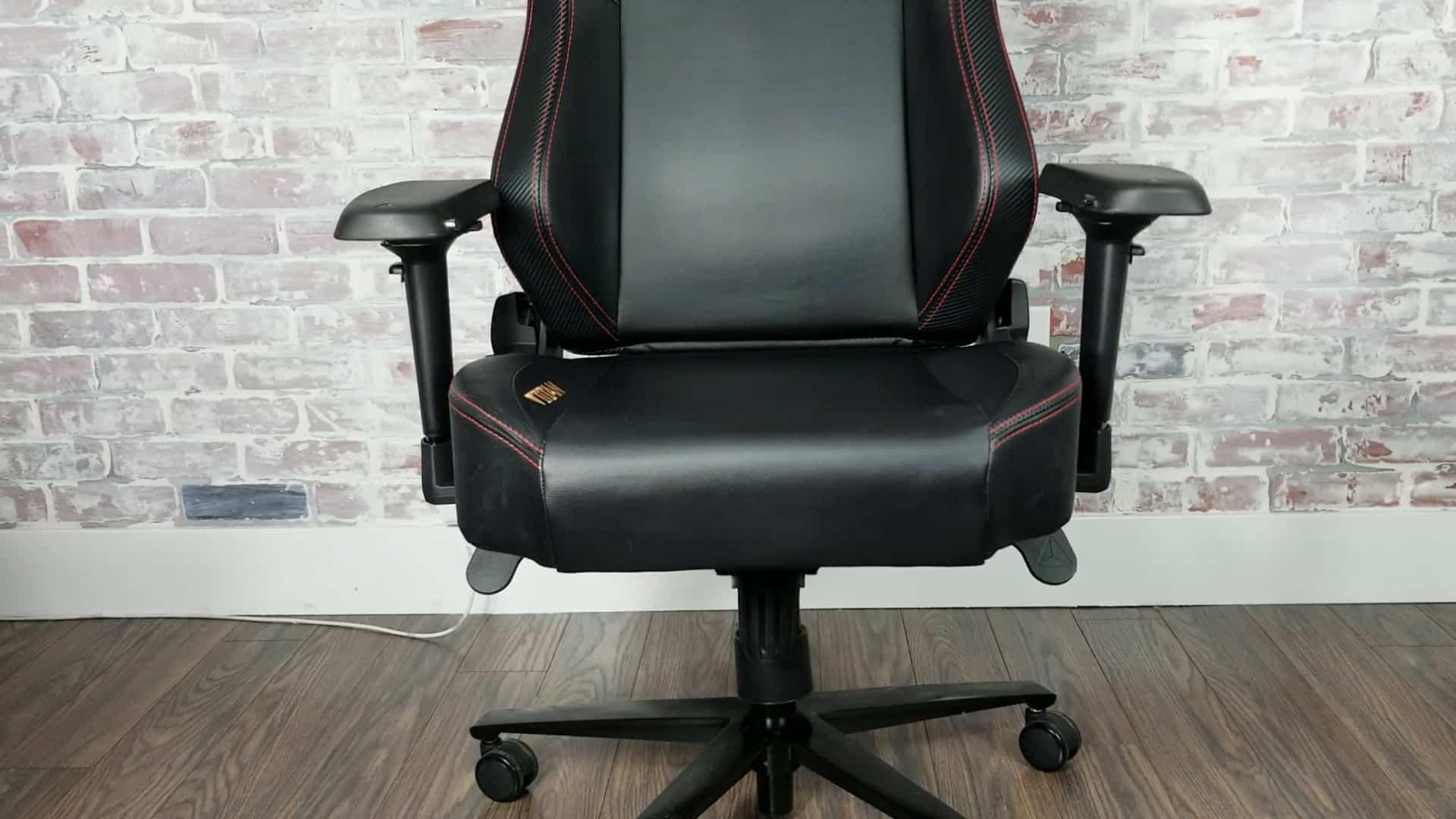 Gaming Chair For Big Guys Secretlab Titan Review Is It Still Good One Year Update