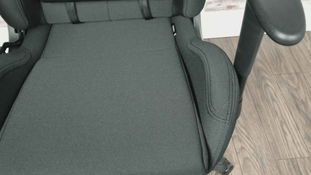 dxracer chair cover office quikr chennai formula series review a solid racing for smaller users