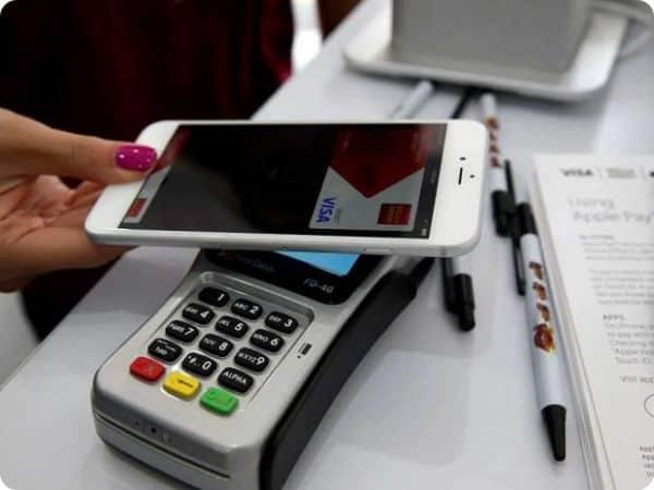 apple pay iPhone swipe