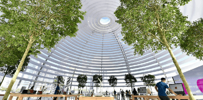 Checkout The First-Ever Floating Apple Store 2