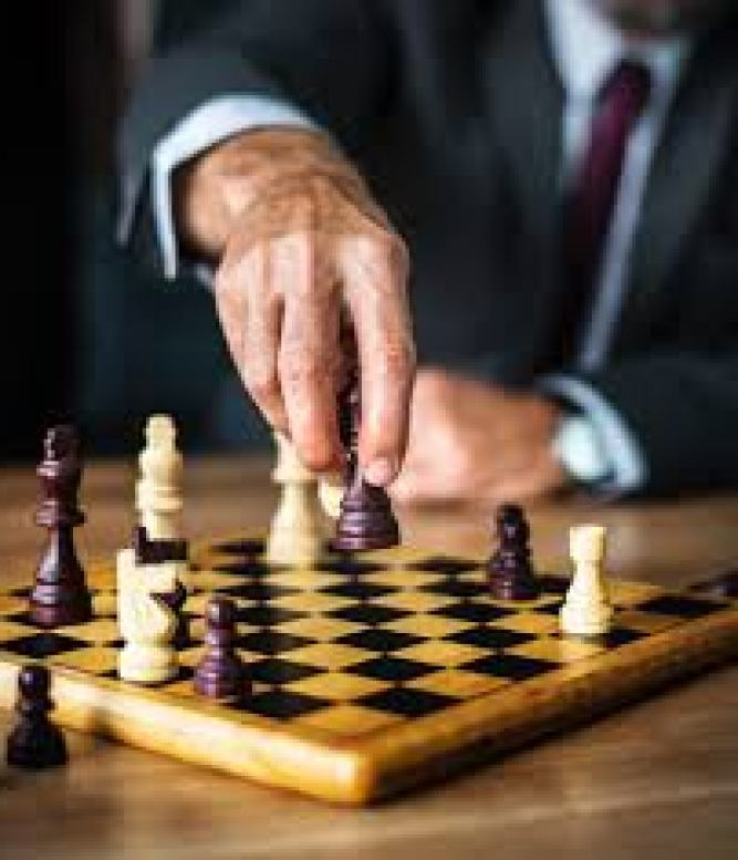 Free Images : chessboard, indoor games and sports, chess, board game, play,  recreation, hand, tabletop game, finger, photography, sports equipment,  thumb 3644x4000 - rawpixel.com - 1521263 - Free stock photos - PxHere