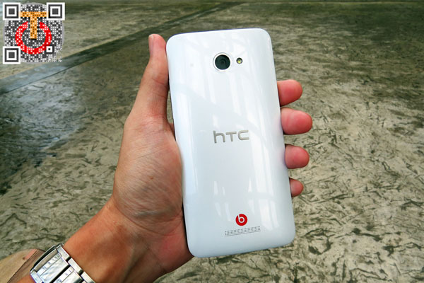 htc-butterfly-IMG_0238m