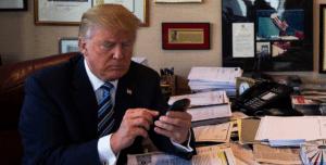 Η συσκευή του Donald Trump μπορεί να απειλήσει την εθνική ασφάλεια των ΗΠΑ
