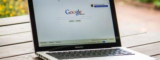 H Google θα επιβάλλει περιορισμούς για τις πολιτικές διαφημίσεις σε όλο τον κόσμο