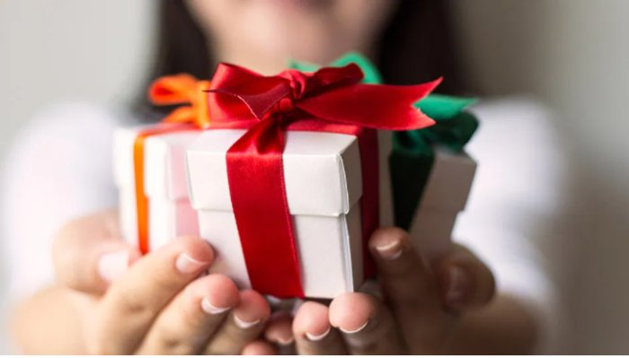 How To Save Your Bucks And Still Get Your Hands On The Perfect Gift?