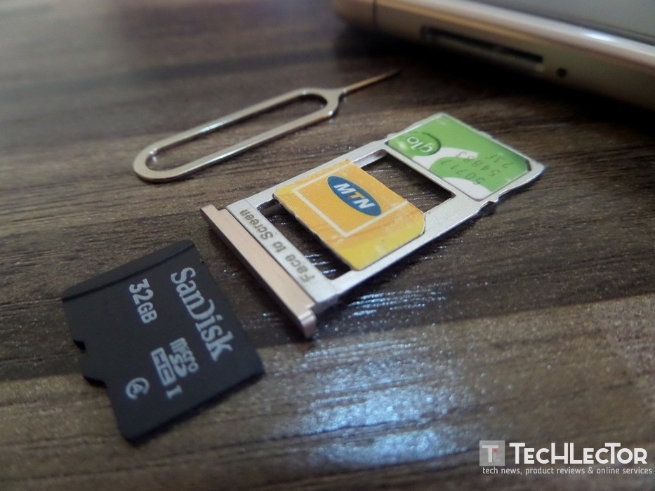 Review - Leagoo T5c cards in slot