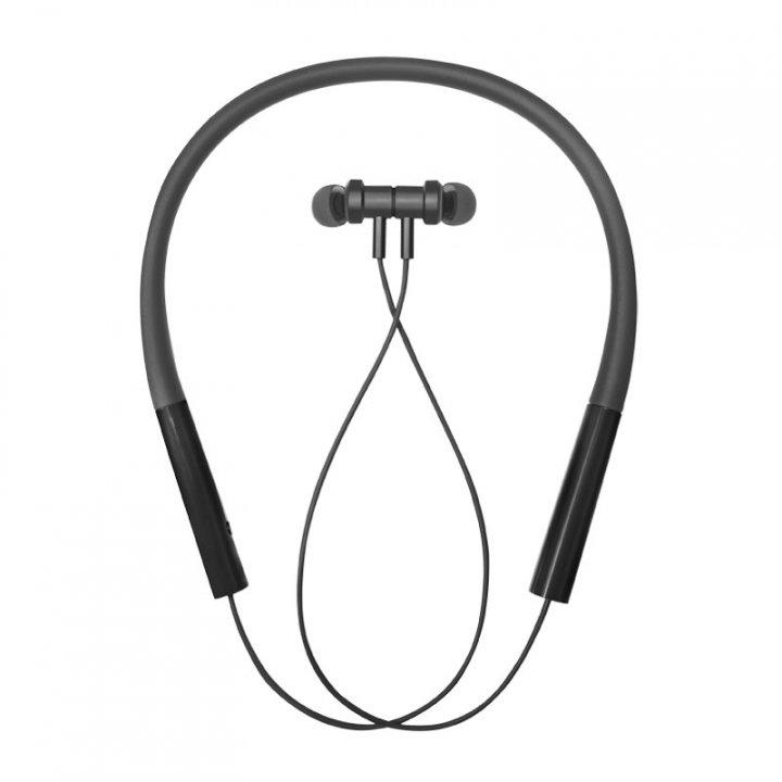 Xiaomi Mi Neckband Bluetooth Earphones Pro and το Mi Portable Bluetooth Speaker