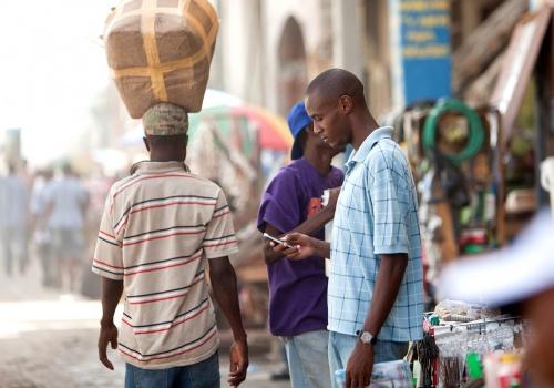 567-mobile-money-on-street-1140x800-2