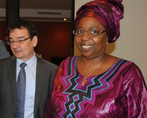 (Alpin Verlet, head of Alcatel-Lucent in West and Central Africa, and Dr. Awa Marie Coll Seck, Minister of Health and Social Action of Senegal)