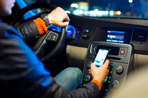 driving-gps-smartphone