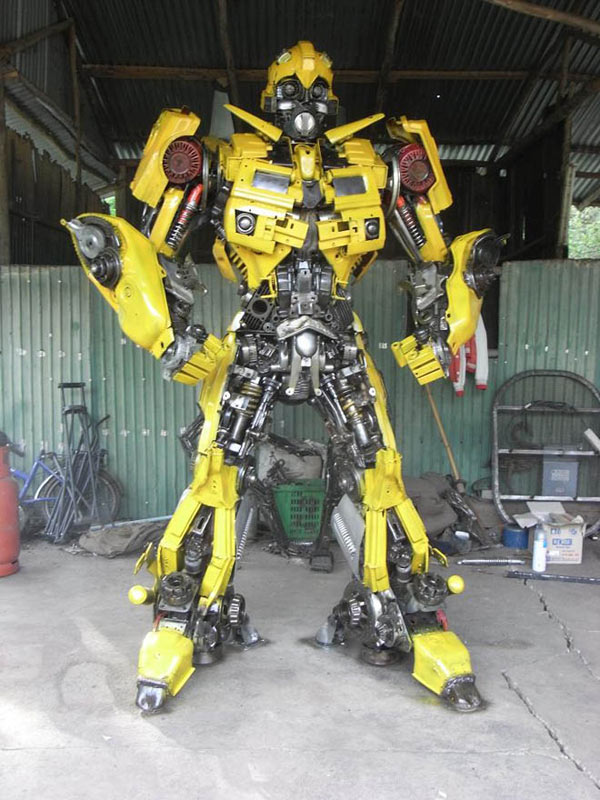 anchalee saengtai sculptures transformers gigantic enormous ripleys robots