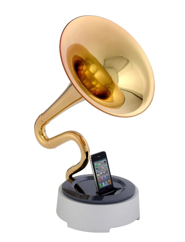 trumstand iphone dock 1