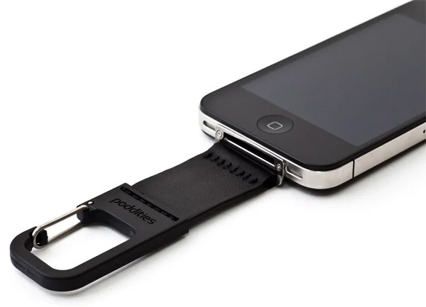 poddities iphone carabiner clip 01