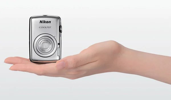 nikon coolpix s01 tiny camera