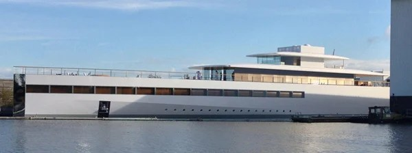 steve jobs yacht venus close