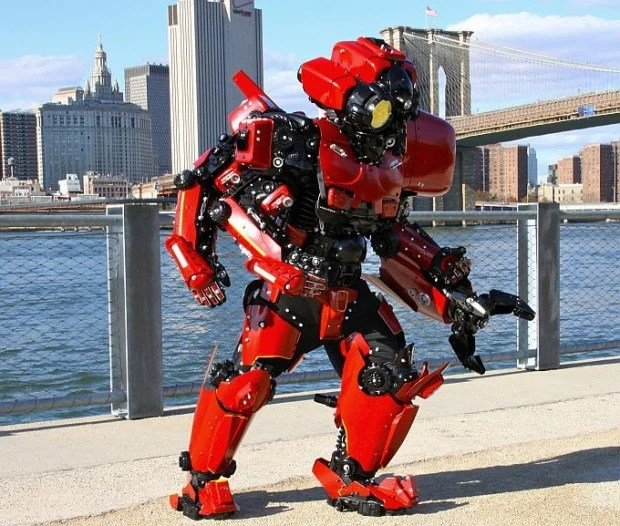pacific rim crimson typhoon cosplay by brooklyn robot works 620x526