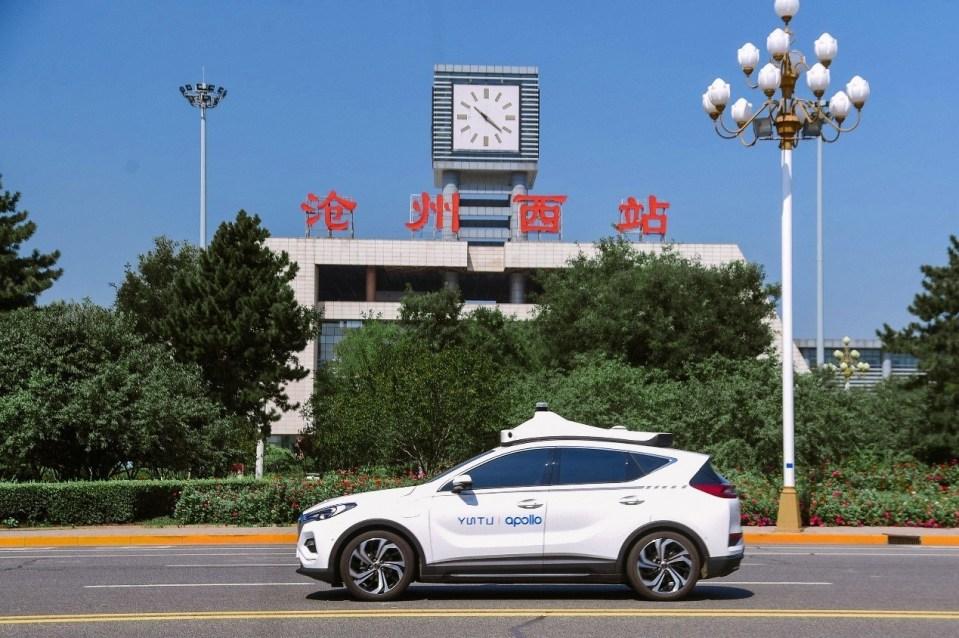 바이두, 중국 최초 유료화 자율주행 택시 '아폴로 고 (Apollo Go)' 운행 시작