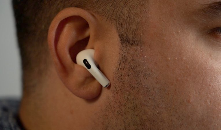 Apple Limits AirPods and Apple Watch Try-Ons in Retail Stores to Prevent Coronavirus Spread