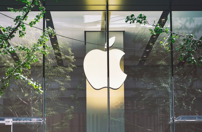Apple will open several retail stores in the United States next week