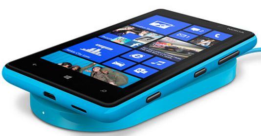 Nokia Lumia 920 vs HTC 8X – a bright and colorful battle
