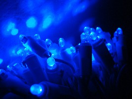 Blue LED lights (Alexofdodd/Wikipedia)