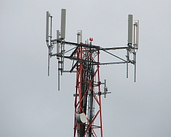 Cell phone tower (Richard Smith/Flickr)