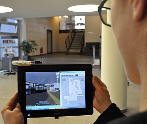 Tablet with Smartsense Sensor displaying interior navigation (Fraunhofer IPA)