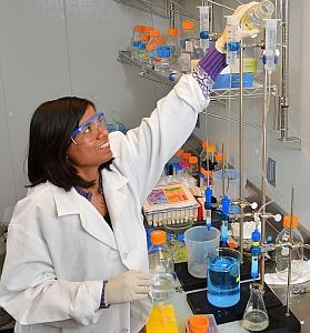 Shivani Garg in the lab