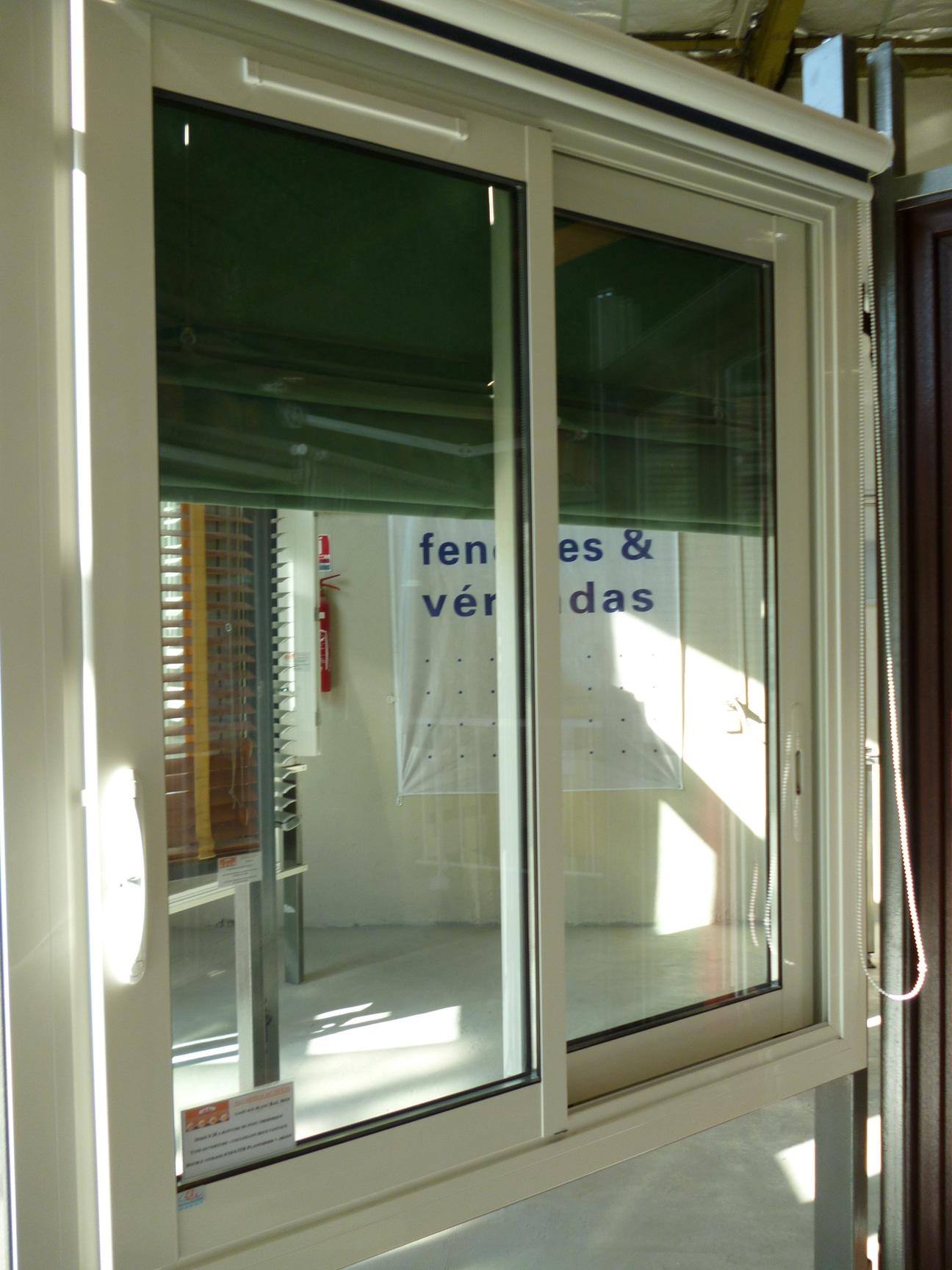 Fenetre Coulissante Chambre   Separation Vitrée Type Atelier Avec ...