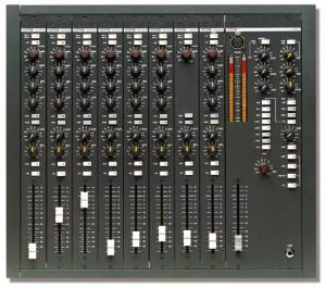 Console analogique broadcast Dateq BCS25