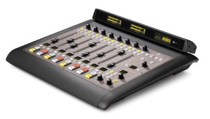 Console broadcast Axia Audio IQ