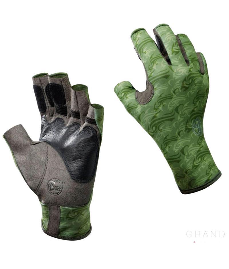 "Studio photo of the Angler II Glove Design ""Skoolin Sage"". Source: buff.eu"