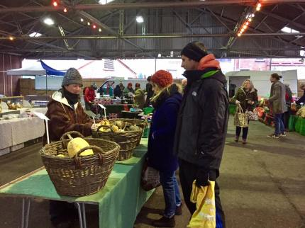 Veggie choosing (photo captured by Reading Farmers Market)