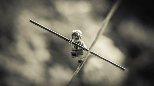 Funambule-lego-Scott P-The-Wire