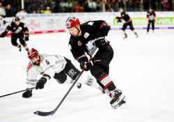Joueur de hockey après avoir deke un adversaire - Photo de Markus Spiske via unsplash