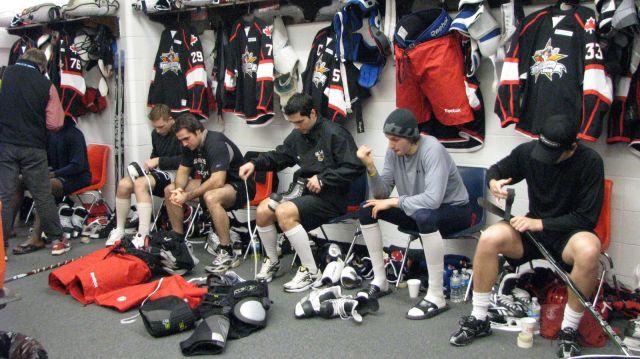 Joueurs de la team Canada se préaparant avant le AHL All Star Classic 2010