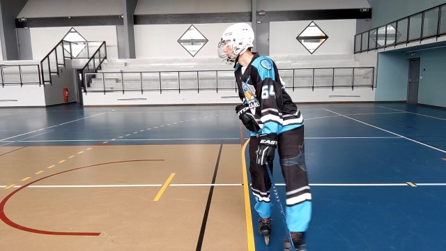 Virage, épaules et tranfert de poids - Le patin extérieure au virage est soulevé - Technique-Hockey