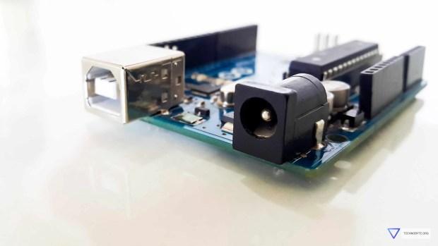 Arduino Uno power jack or barrel connector