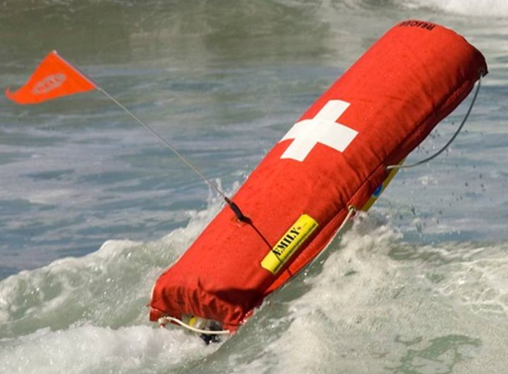 aqua drone: Emergency Integrated Lifesaving Lanyard (EMILY)